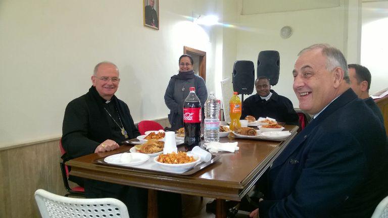 Giornata poveri Vescovo pranzo