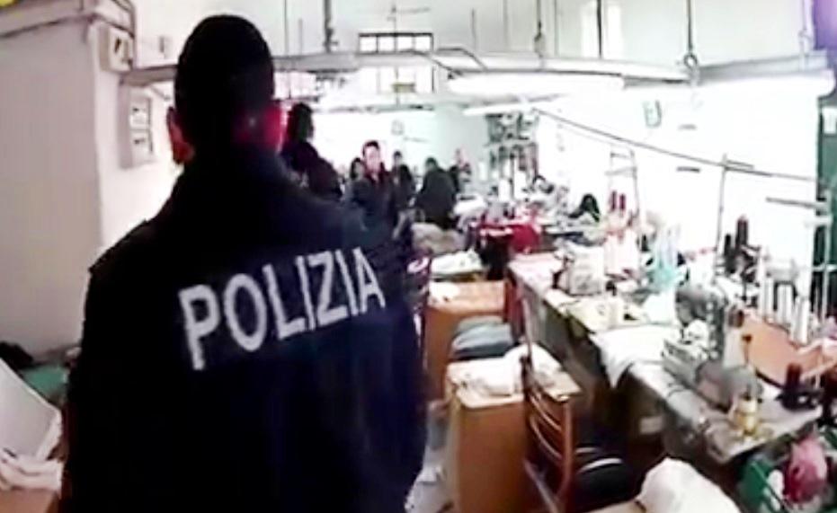 polizia fabbrica tessile