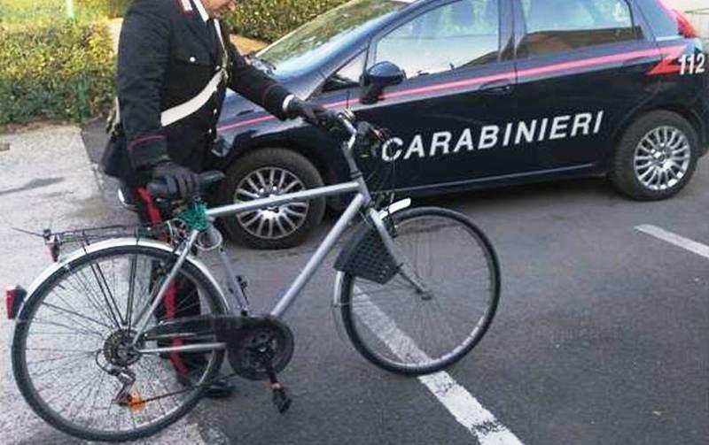 bicicletta ladro carabinieri2