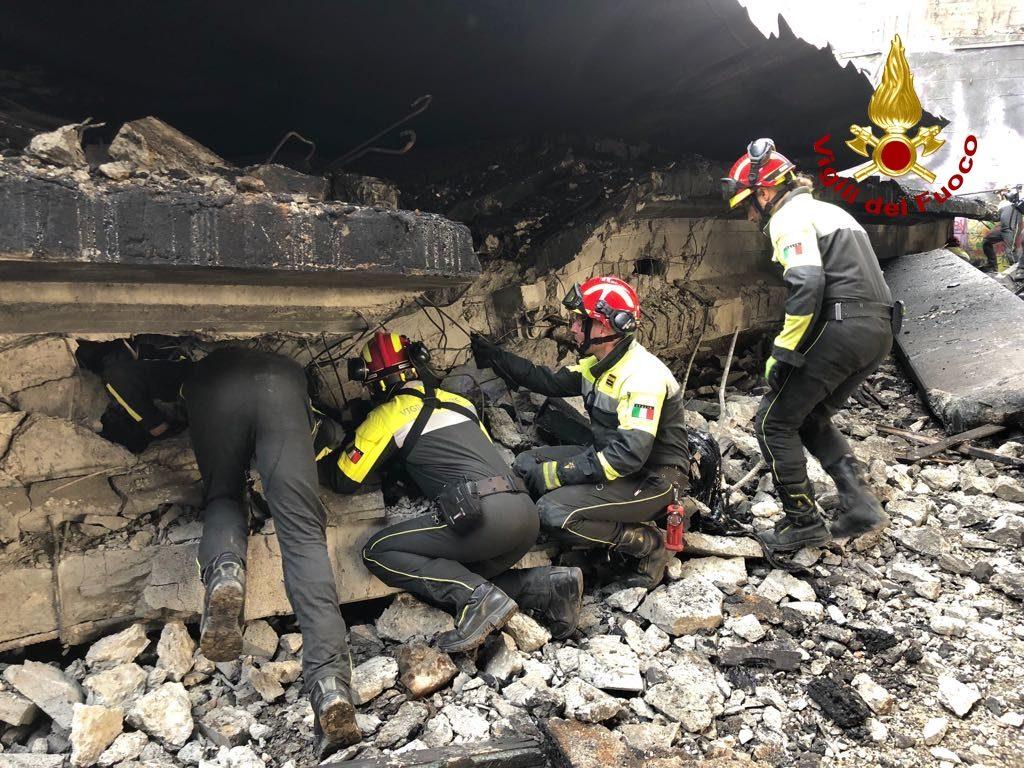 incendio borgo panigale bologna cisterna (9)