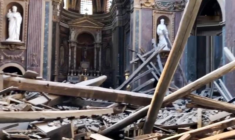roma crollo chiesa
