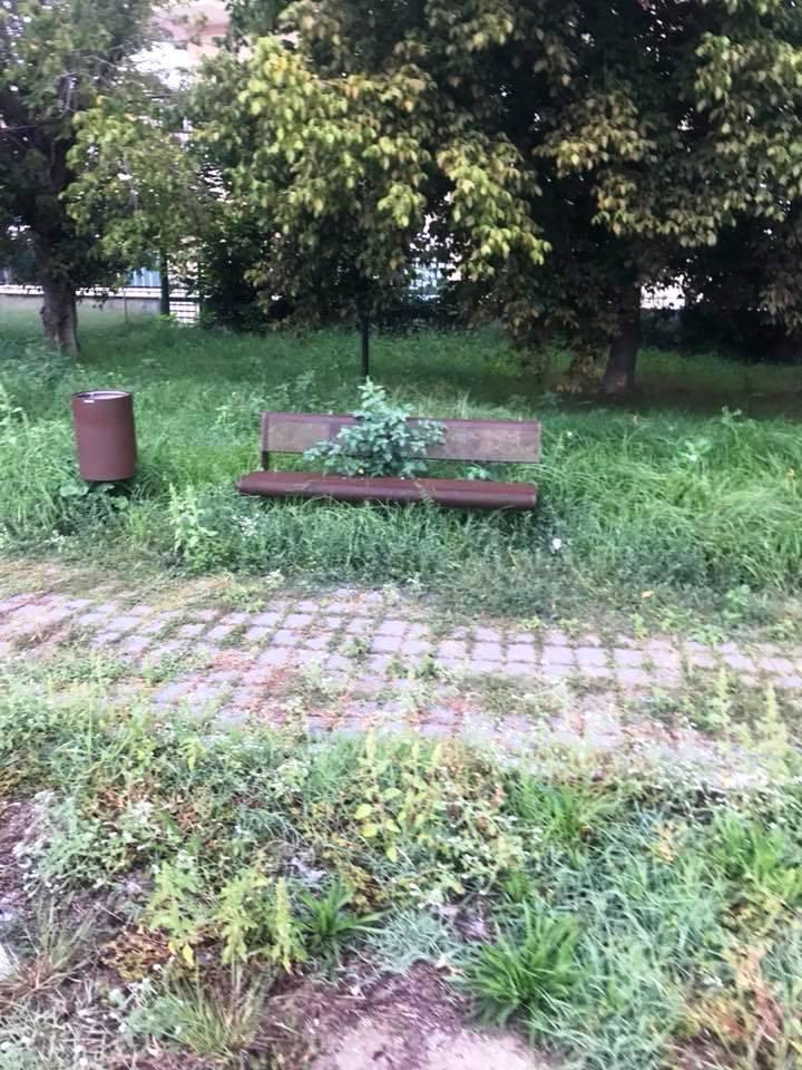 aversa degrado parco urbano