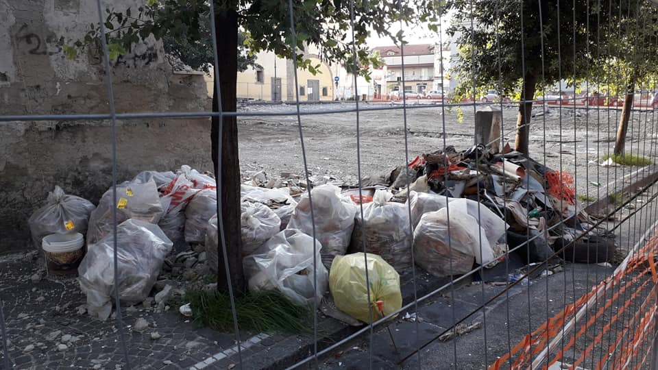 piazza don diana rifiuti 1 aversa