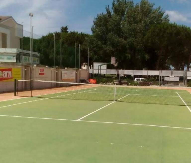 tennis campo parete 2