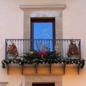 Addobbi Natalizi Balconi.Cesa Concorso Balconi Di Natale In Premio Buoni Spesa Pupia Tv