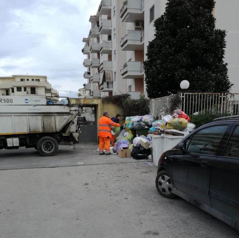 aversa raccolta rifiuti (1)