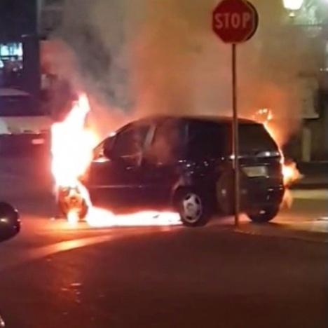 auto incendio aversa