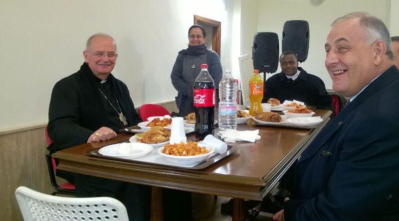 Giornata-poveri-Vescovo-pranzo
