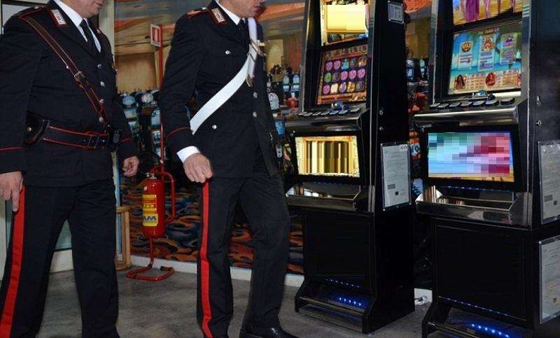 carabinieri sala giochi