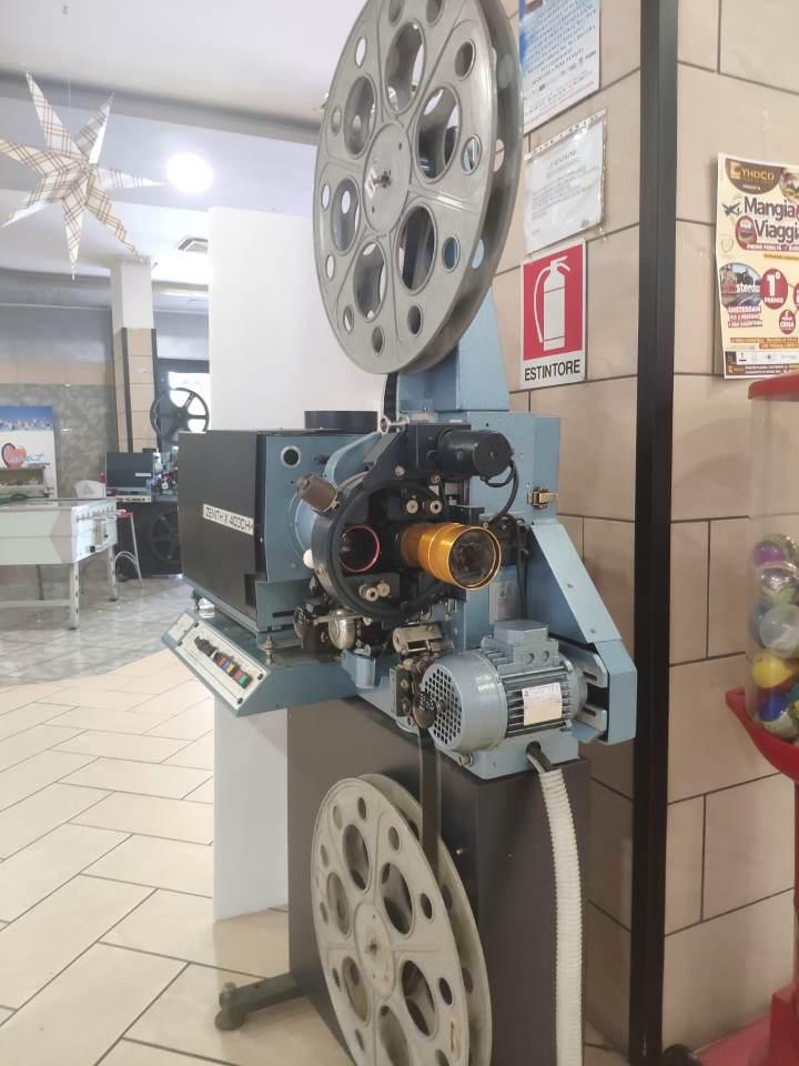pomigliano cinema scuola (2)
