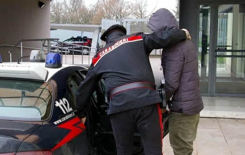 carabinieri arresto