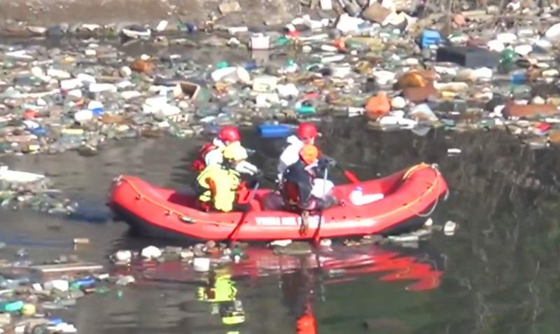 cava lago rifiuti