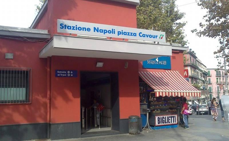 stazione napoli piazza cavour