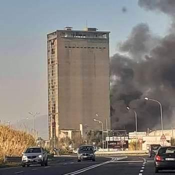 torre mondragone incendio