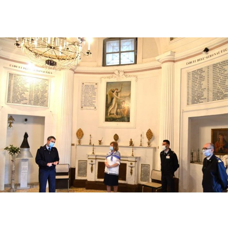 L'interno della chiesa di Santa Filomena, nota come La Rotonda