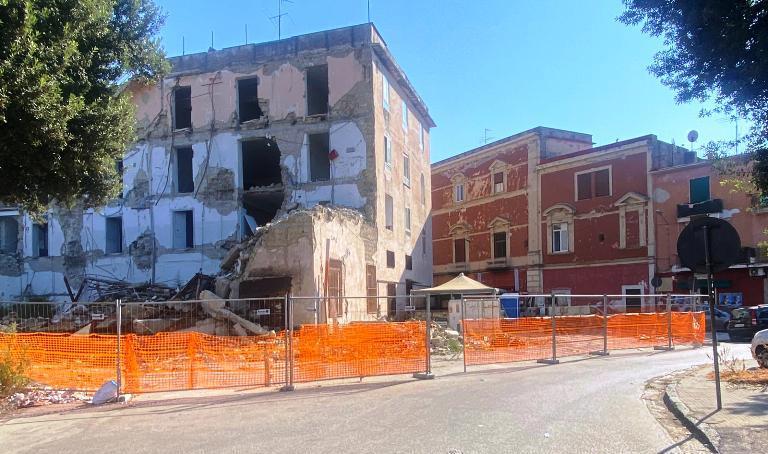 piazza marconi crollo cantiere