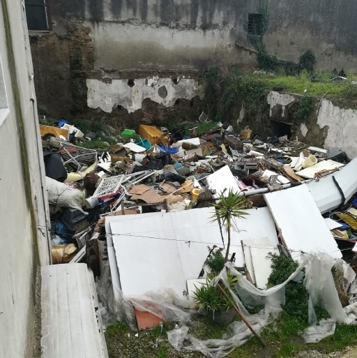 rifiuti via altavilla (2)