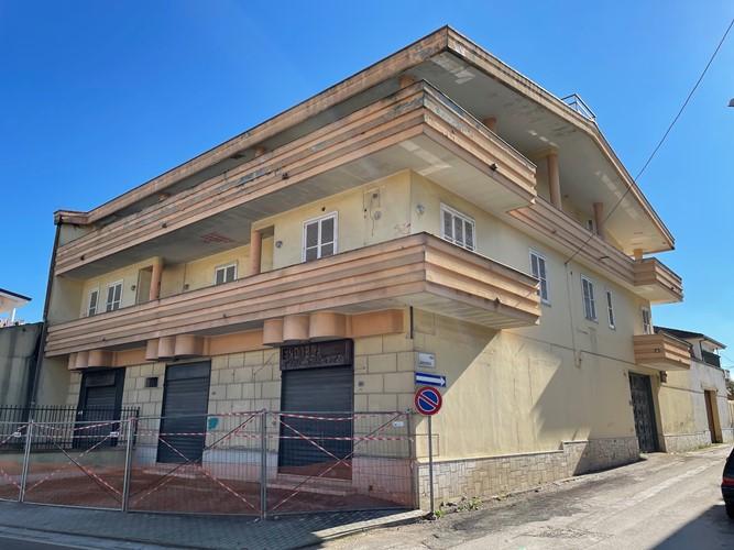 Foto Villa Bardellino destinato a caserma dei carabinieri