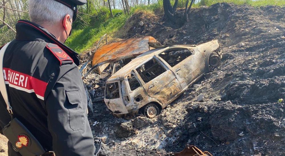 carabinieri auto incend