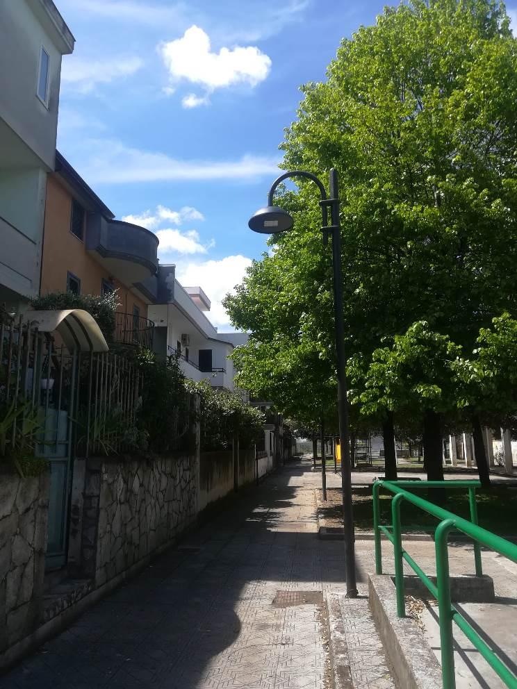 parete piazza troisi ripulita (3)