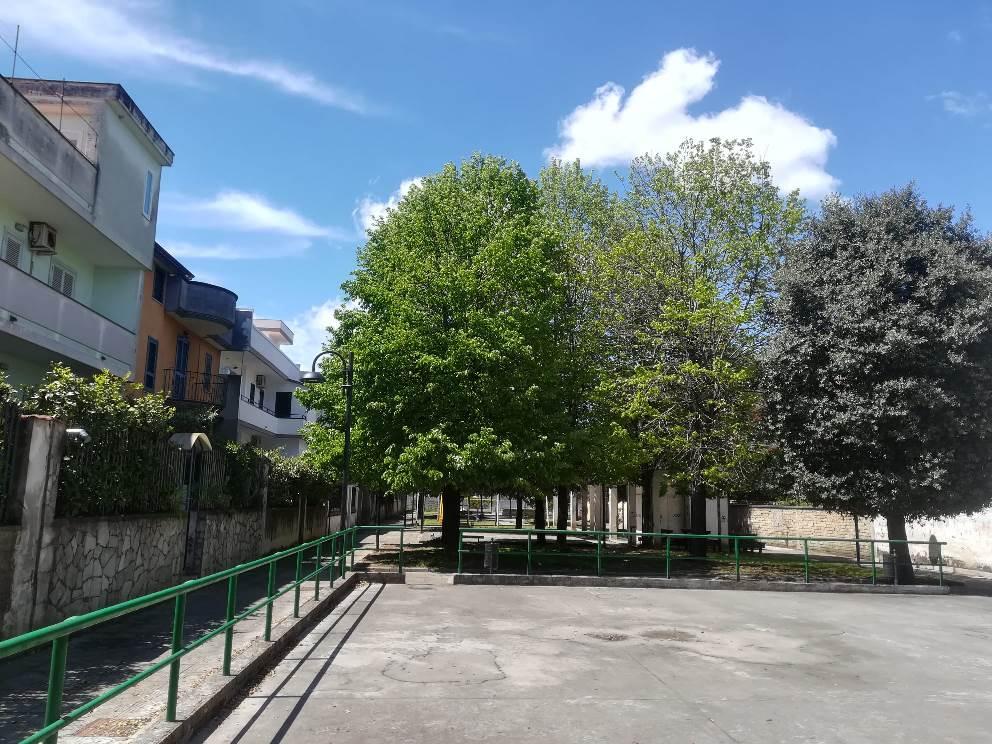 parete piazza troisi ripulita (4)