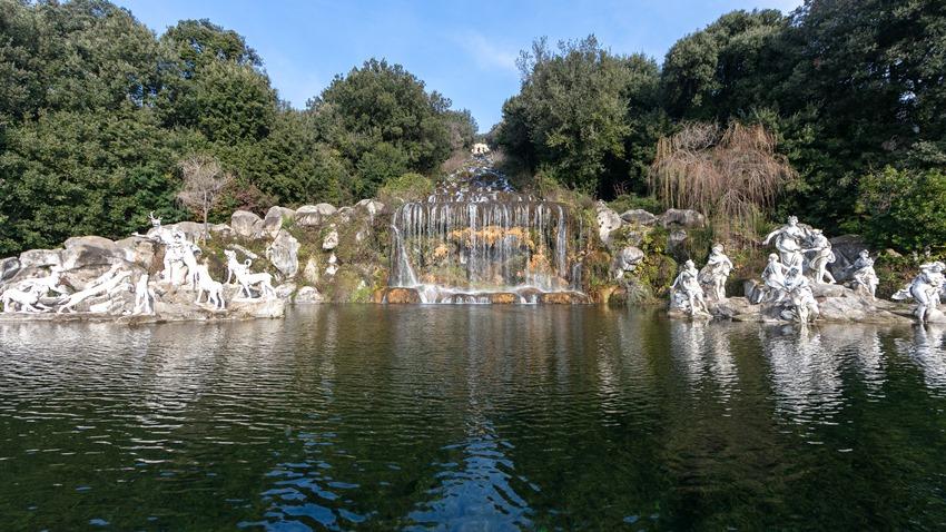 Fontana_Diana_e_Atteone_cascata