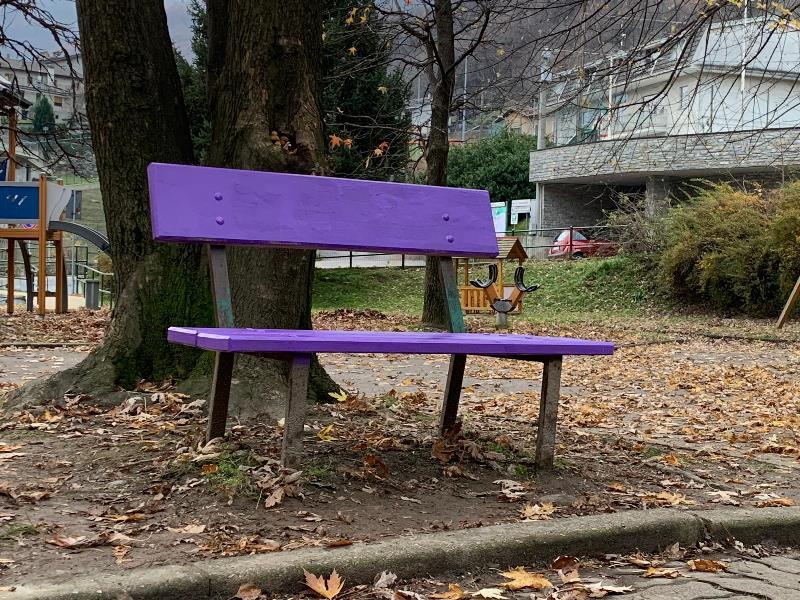 panchina viola della gentilezza quincinetto