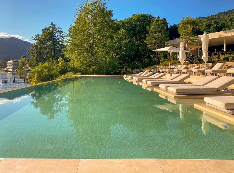 Laqua-lake-piscina
