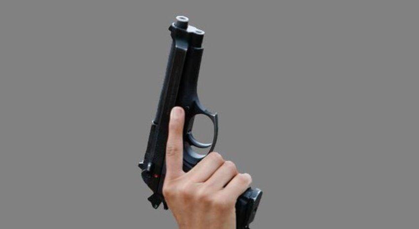 sparatoria pistola spari