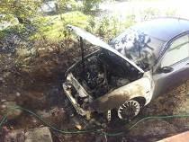 Auto Bruciata Campana