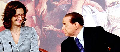 Maria Stella Gelmini e Silvio Berlusconi (Corriere.it)