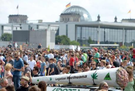 Cannabis Parade2