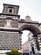 Porta Napoli2