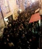Folla In Via Seggio