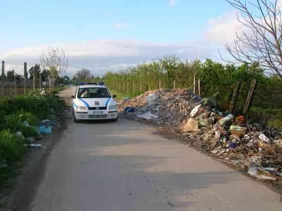 Rifiuti Via Lemitone2