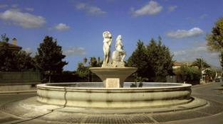 Fontana Delle Donne2