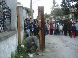 Cancello Abbattuto2