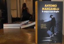 Manganelli Libro