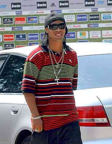 Ronaldinho a Milanello (foto www.corriere.it)