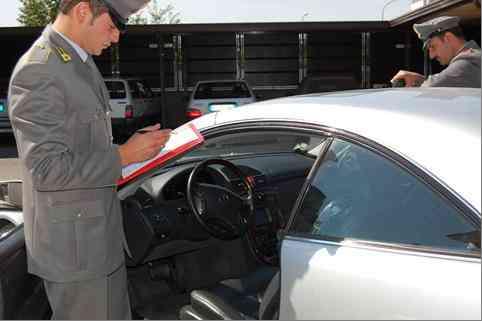 Finanza Sequestro Audi2